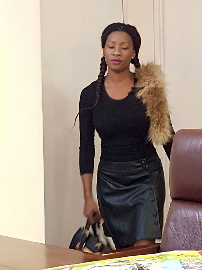 Check Out: Fungisai's Georgeous Outfit On Her Way To The Studio!