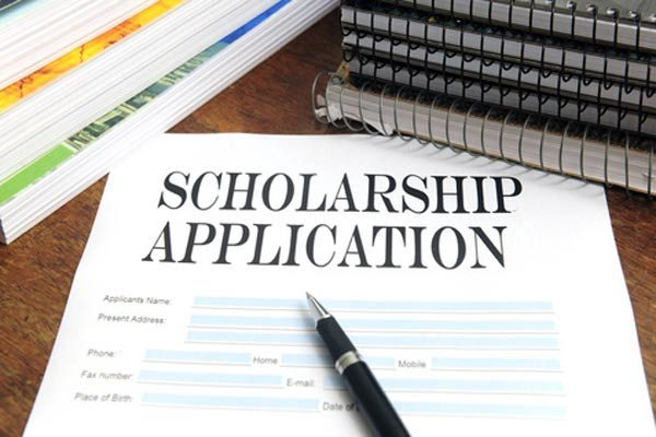 10 Tips to Help You Apply for Scholarships