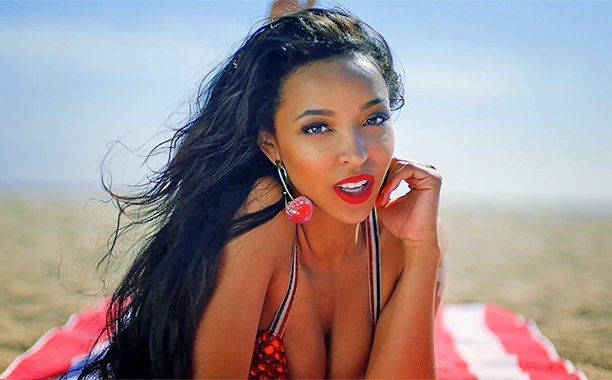 Check Out: Tinashe's New 'Superlove' Music Video