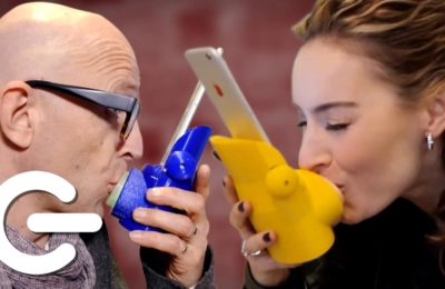 WTF!! New Kissinger Device Can Send Real Kisses Over The Internet !!