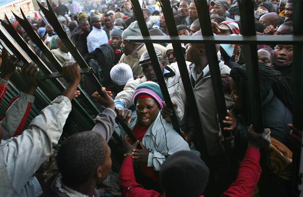 Zimbabwean Refugees Complain about abuse and bribery at Pretoria's Marabastad Refugee Reception Office