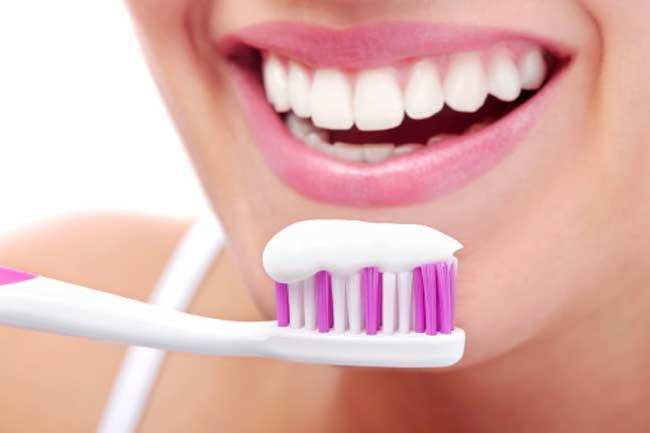 7 Simple Ways of Getting Rid of Bad Breath