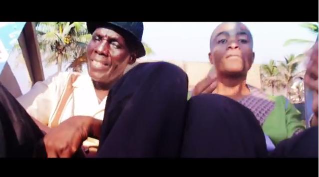 Watch : Tuku's Collaboration With Ladysmith Black Mambazo ''Hello my baby''