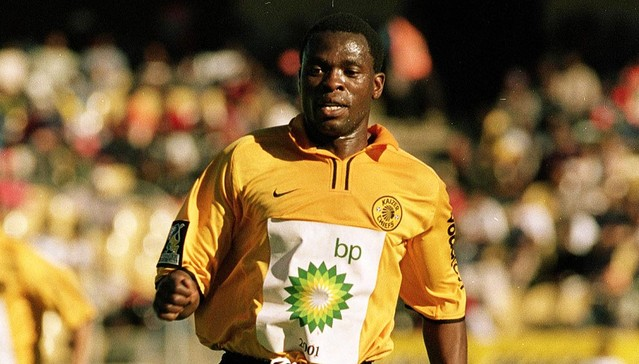 BP TOP 8 , 1/4 FINALS , 11 AUGUST 2001, Royal Bafokeng , Rustenberg, Kaizer Chiefs (2) v Ria Stars (0) , Luke Petros Jukulile runs after the ball, PHOTO CREDIT: ©DUIF DU TOIT/Gallo Images