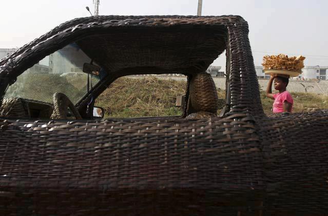 woven car1